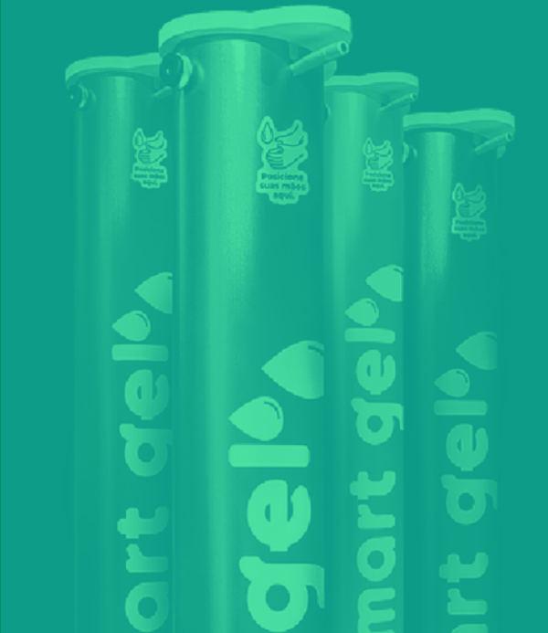São máscaras de proteção de diversos modelos e tipos, termômetros e oxímetros digitais e o destaque, de fabricação própria da marca: o Smart Gel. Trata-se de um total, com mecanismo exclusivo, mais prático e resistente do que as outras alternativas de mercado. O acionamento é através de um pedal e seus materiais de composição, mais robustos, tornam o equipamento mais estável e seguro.